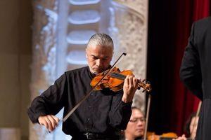 'Cây violin' kiệt xuất gốc Việt về nước trình diễn âm nhạc
