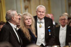 Sau hơn 70 năm, Nobel Văn học lần đầu hoãn trao vì bê bối tình dục