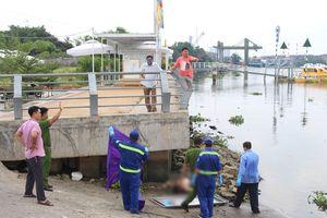 Thi thể một bảo vệ dân phố nổi trên sông Sài Gòn