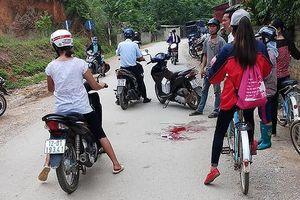 Lạng Sơn: Chồng dùng dao cắt cổ vợ giữa đường