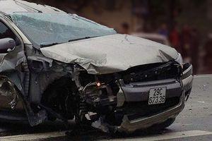 Cảnh sát giao thông hy sinh tính mạng cứu người đi đường khỏi chiếc xe điên