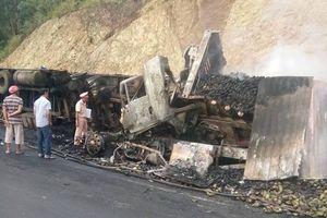 Hai xe đầu kéo va chạm trên đèo, 3 người chết cháy