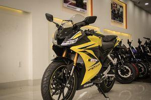 Yamaha YZF-R15 màu vàng racing về Việt Nam, giá 78 triệu