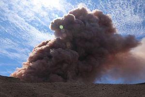 Hãi hùng núi lửa Hawaii phun trào sau 600 trận động đất