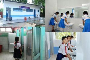 Công trình vệ sinh ở trường học: Vừa thiếu vừa yếu