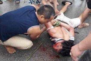 Mẹ nghi can bắt cóc trẻ em: Con trai thường chở người lạ sang Trung Quốc