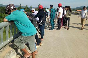 Quảng Bình: Phát hiện nam thanh niên chết bất thường dưới chân cầu