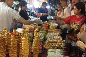 Chợ đêm phố cổ mùa này có gì vui?
