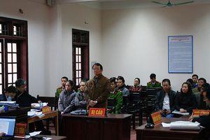 Nguyên phó viện trưởng VKSND tỉnh Thái Nguyên chuẩn bị hầu tòa