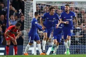 Chelsea 1-1 Huddersfield: Tự 'bắn' vào chân