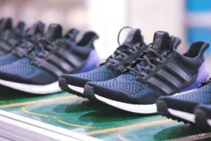 Adidas: Gia công giày đang chuyển từ Trung Quốc sang Việt Nam