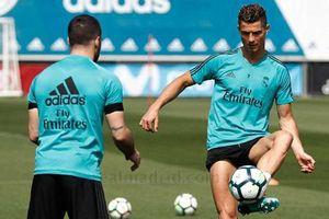 Trở lại tập luyện, Ronaldo sẵn sàng ra sân ở Champions League