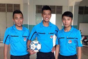 Người va chạm với HLV Chu Đình Nghiêm là trọng tài ở giải hạng Nhất