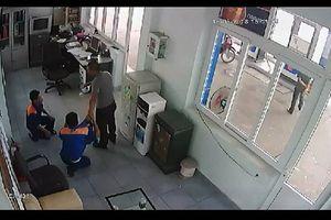 Bắt giữ nghi phạm đánh dã man, ép nhân viên bán xăng quỳ