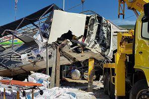Xe tải gây tai nạn liên hoàn ở Lâm Đồng, 6 người chết