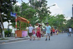 Các ngả đường đổ về phố đi bộ Trịnh Công Sơn ùn tắc, UBND quận Tây Hồ nói gì?