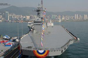 Choáng ngợp kích thước tàu đổ bộ 18.000 tấn của Hàn Quốc