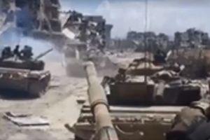 Theo chân quân đội Syria tấn công sào huyệt IS ở nam Damascus