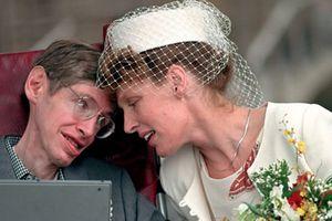Bật mí chuyện tình của ông hoàng vật lý Stephen Hawking