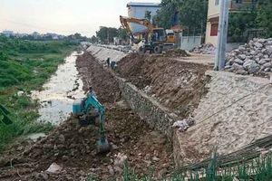 Dự án cải tạo đường liên xã vừa thi công xong đã sạt lở chỉ sau một trận mưa