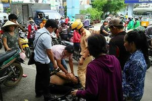 CSGT cùng người dân vây bắt trộm xe máy ở Sài Gòn