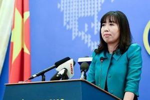 Bộ Ngoại giao lên tiếng vụ du khách Trung Quốc mặc áo in 'đường lưỡi bò' khi nhập cảnh