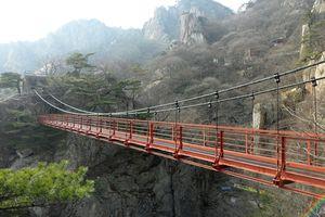 Những cây cầu thách thức sự can đảm, chỉ nhìn thôi đã chóng mặt