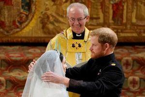 Giây phút ngọt ngào trong đám cưới cổ tích của 'lọ lem' Markle và Hoàng tử Harry