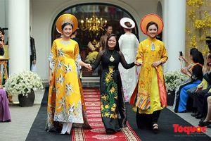 Không gian áo dài Việt: Câu chuyện kể sinh động về áo dài Việt