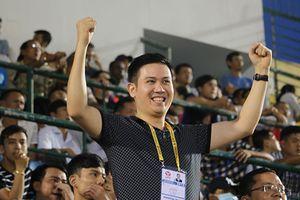 Ông bầu của CLB Hải Phòng yêu bóng đá hơn chính bản thân