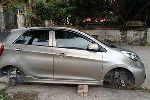 Hà Nội: Để 'xế hộp' trước cửa nhà, bị trộm mất… bánh xe