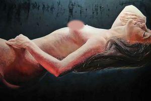 Họa sĩ vẽ nude và mẫu nữ có thể tự bảo vệ mình bằng cách nào?