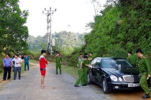 Tình tiết gây 'sốc' vụ án gia đình chết lạ thường trong xe Mercedes
