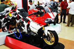 Cận cảnh 'siêu môtô' GPX Demon 150GR giá 64 triệu ở Sài Gòn