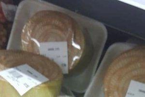 Ngoài chổi chít, khúc thân cây chuối 10cm được bán tại siêu thị Nhật với giá gần 300 ngàn đồng