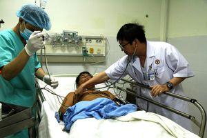 Lần đầu trực thăng bay đêm cấp cứu bệnh nhân ở Trường Sa