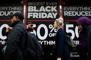 Người tiêu dùng đang 'nóng lòng' chờ đợi Black Friday 2017