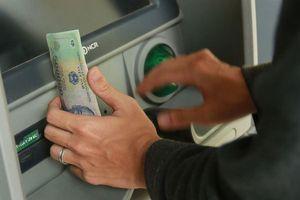 Nhóm đối tượng chuyên 'mở tài khoản, rút tiền thuê' lĩnh án nặng