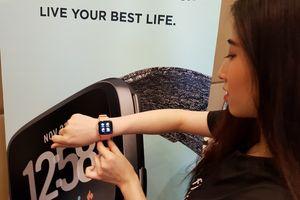 Fitbit Versa: Thiết kế đẹp, nhiều tính năng
