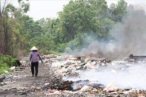 Bắc Ninh: Hàng tấn rác thải dây điện, thiết bị điện tử đổ ra bãi rác mỗi ngày