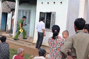Vợ chồng giáo viên chết khỏa thân: Nắm chặt tay vợ