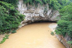 Bí ẩn 'Hang Ma' nơi những con cá khổng lồ trú ngụ ở miền tây Thanh Hóa