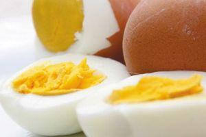 Hãy bỏ ngay thói quen ăn trứng này vì sẽ âm thầm gây bệnh cho bạn