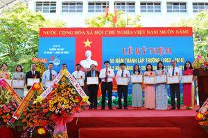 Thủ tướng Chính phủ tặng Cờ thi đua Xuất sắc cho Trường Đại học Kỹ thuật Y - Dược Đà Nẵng