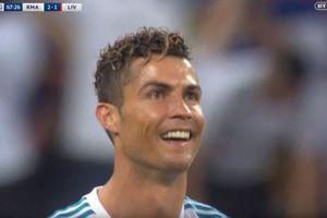 Ronaldo trầm trồ khi xem lại siêu phẩm của Bale