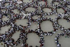 Hình ảnh ấn tượng trong tháng ăn chay Ramadan của người Hồi giáo