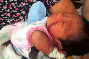 Tình huống 'không tưởng' người phụ nữ cứu bé sơ sinh bị vùi dưới đất