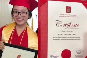 Quang Lê hạnh phúc khoe ảnh con gái nuôi Phương Mỹ Chi trong lễ tốt nghiệp
