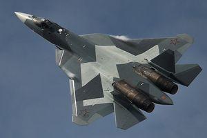Xem tiêm kích tàng hình Su-57 Nga phóng tên lửa hành trình thế hệ mới ở Syria