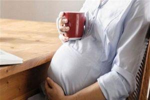 Bà bầu uống cà phê: Bao nhiêu là hợp lý để không làm hại thai nhi?
